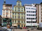 Plac Solny – dawny średniowieczny plac targowy we Wrocławiu. Plac Solny, przylega do wrocławskiego Rynku. Pod Placem Solnym znajduje się schron, w którym schronienie może znaleźć 300 osób.