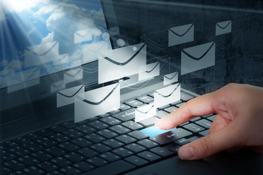 E-mail, komputery